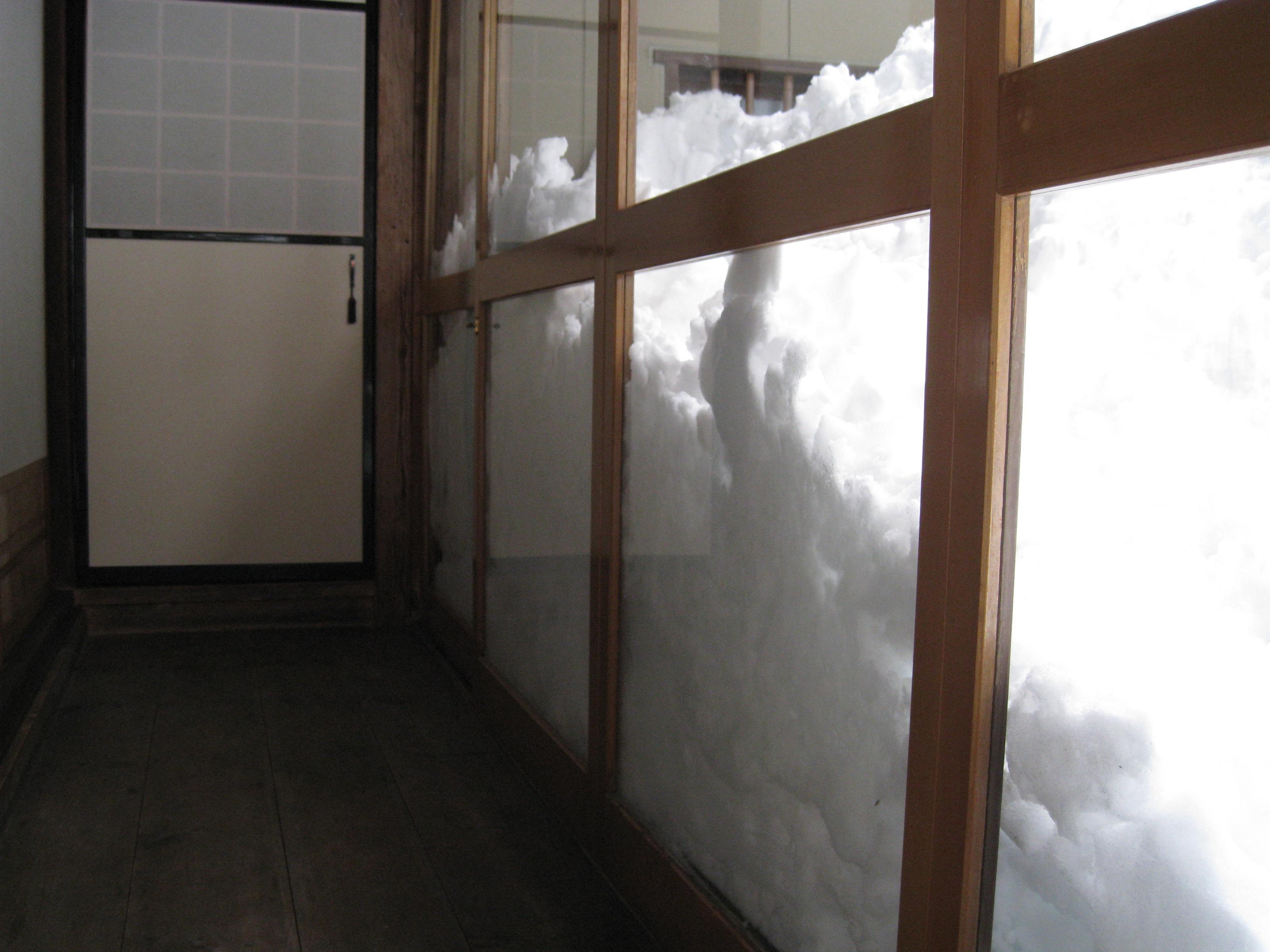 雪とガラス